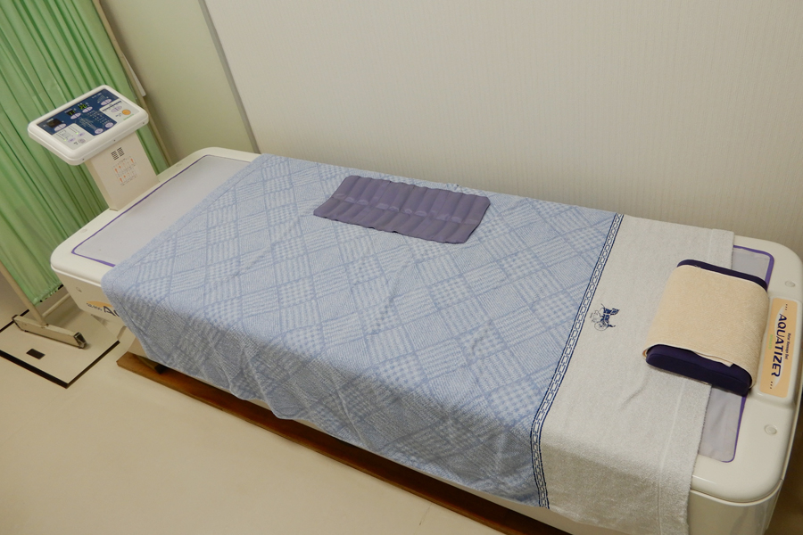 ベッド型マッサージ器